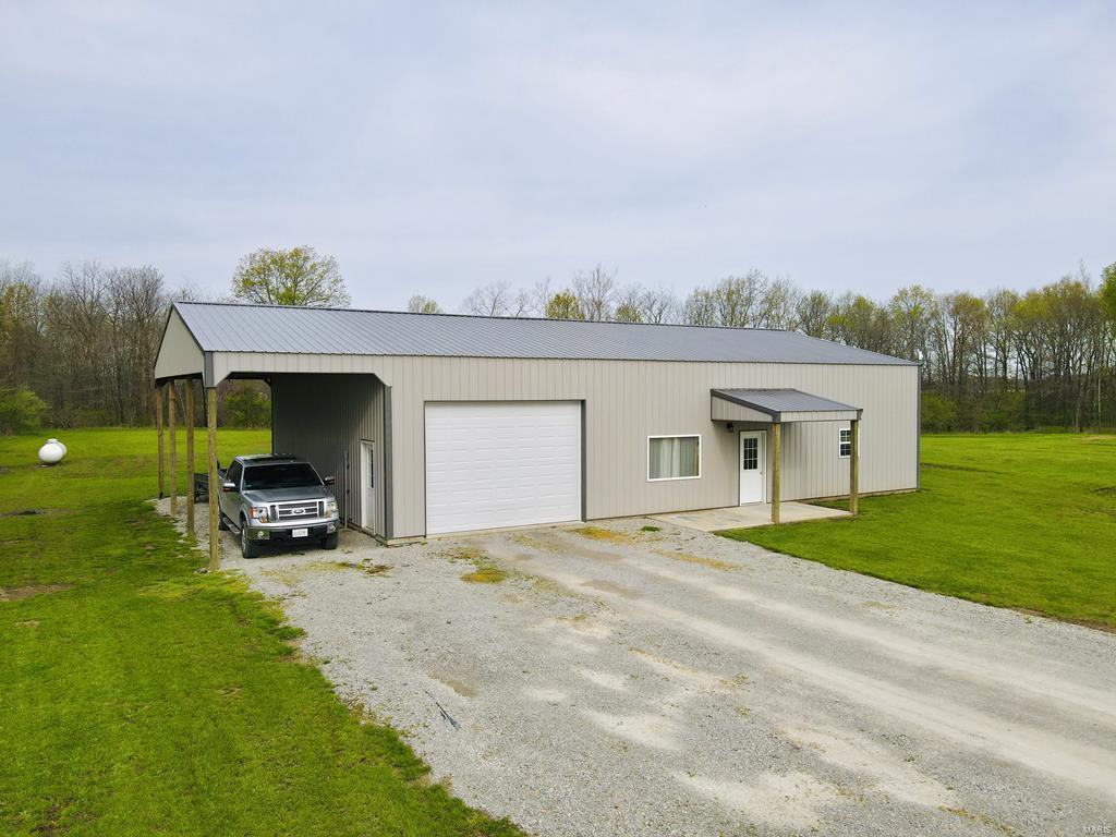 7399 N 800th E Property Photo - Newton, IL real estate listing