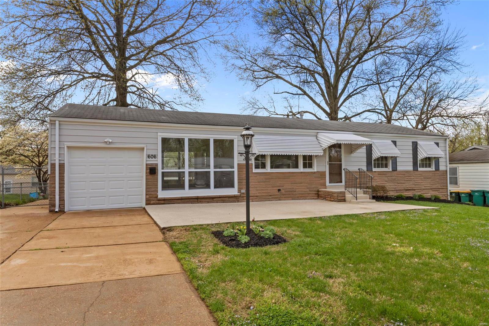 606 Kelvin Drive Property Photo - St Louis, MO real estate listing
