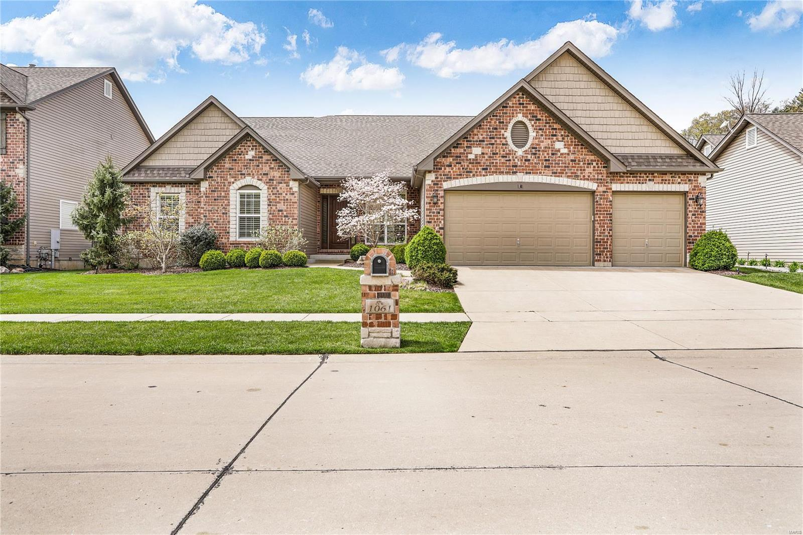 1061 Bridlewood Valley Pointe Property Photo - High Ridge, MO real estate listing