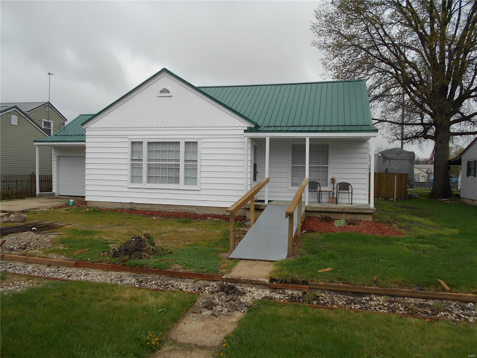 304 W Washington Street Property Photo - Vandalia, MO real estate listing