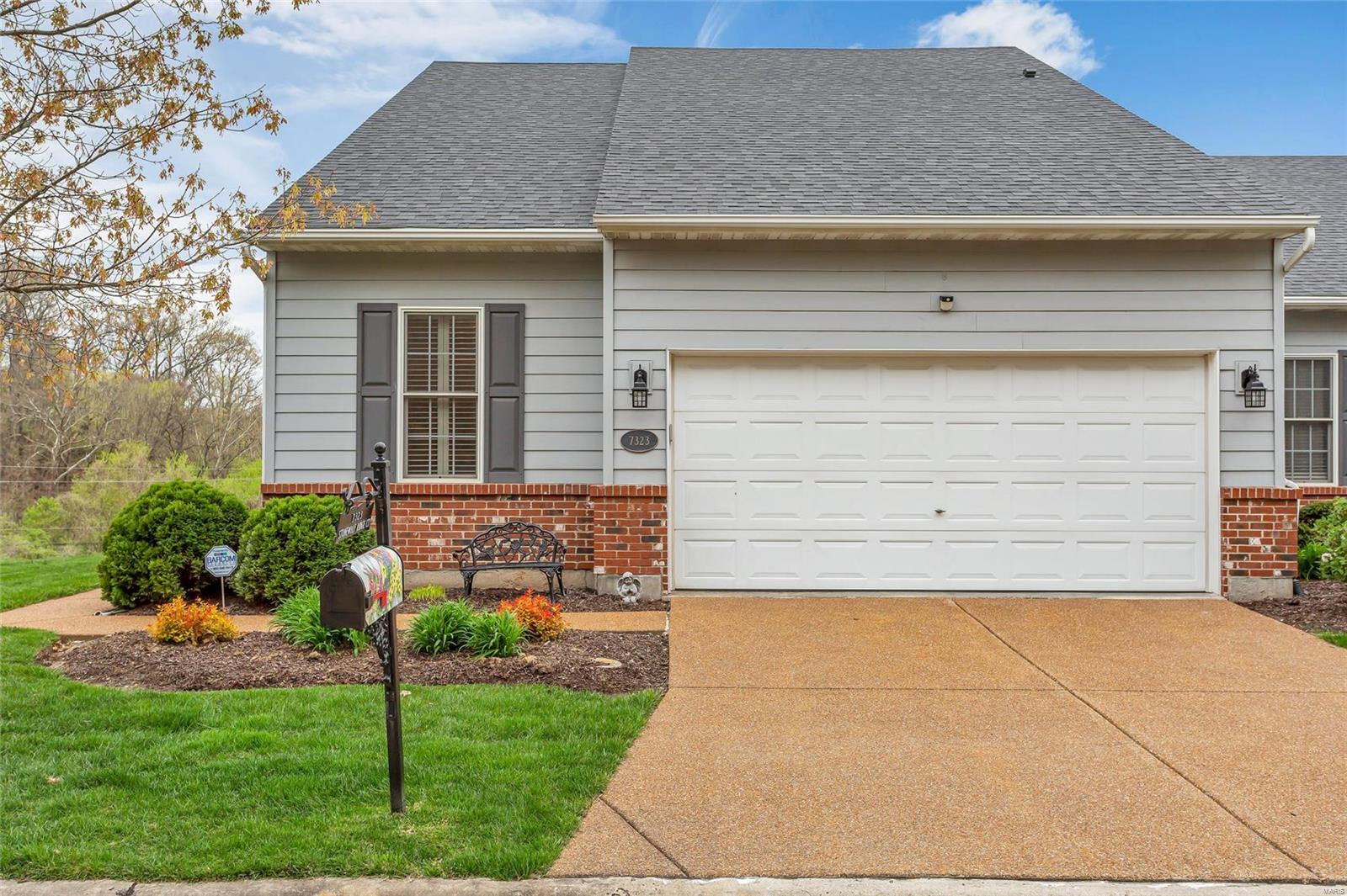7323 Stonewolf Ridge Court Property Photo - Fairview Heights, IL real estate listing