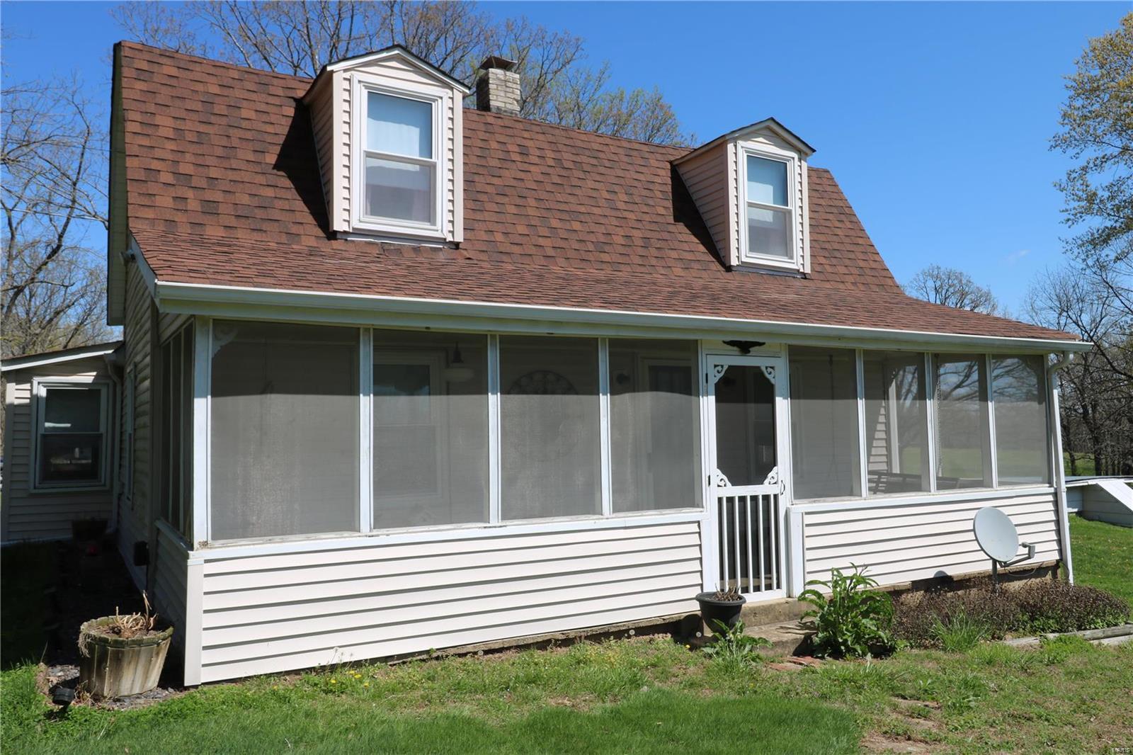83 Kerick Property Photo - Bourbon, MO real estate listing