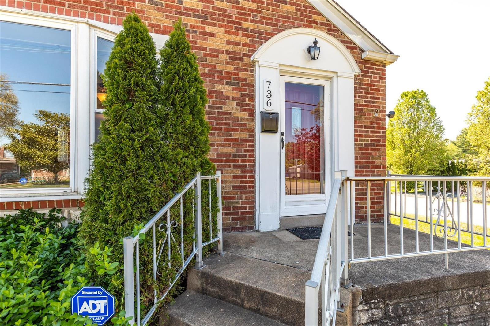 736 Avenue H Property Photo - St Louis, MO real estate listing