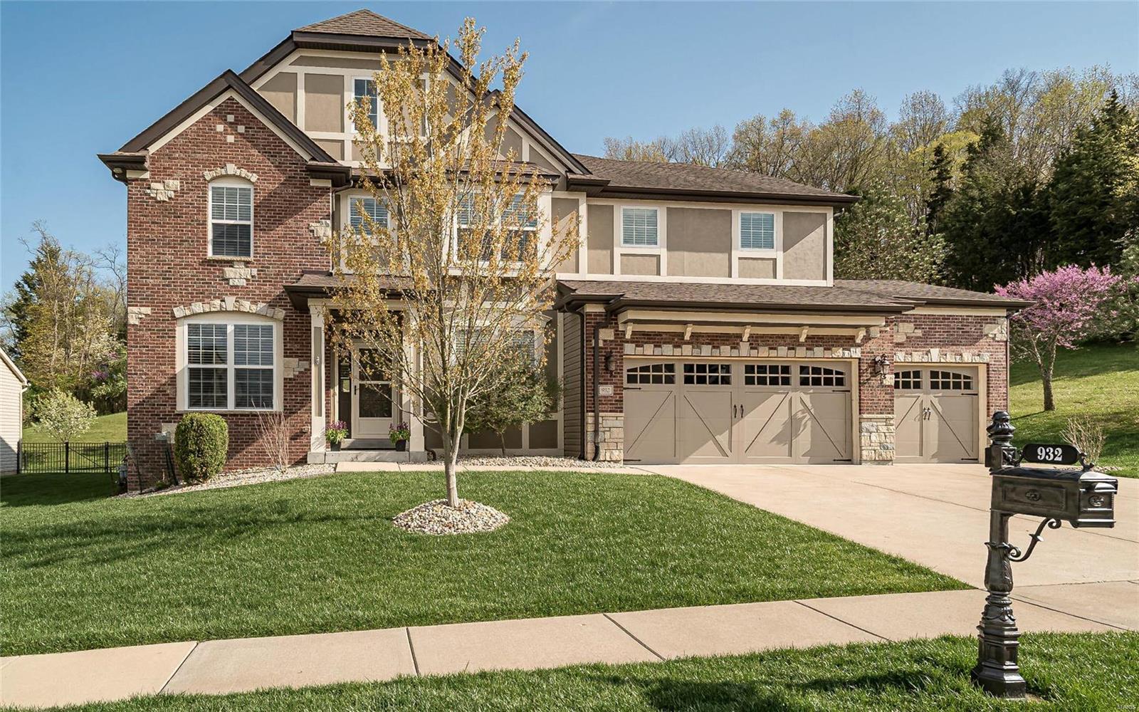 932 Summit Oaks Drive Property Photo