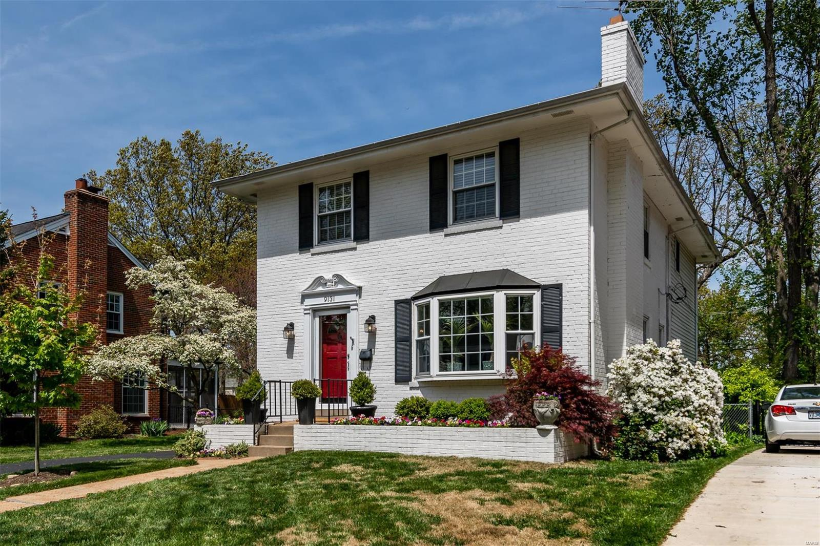 9131 Lawn Avenue Property Photo - Brentwood, MO real estate listing