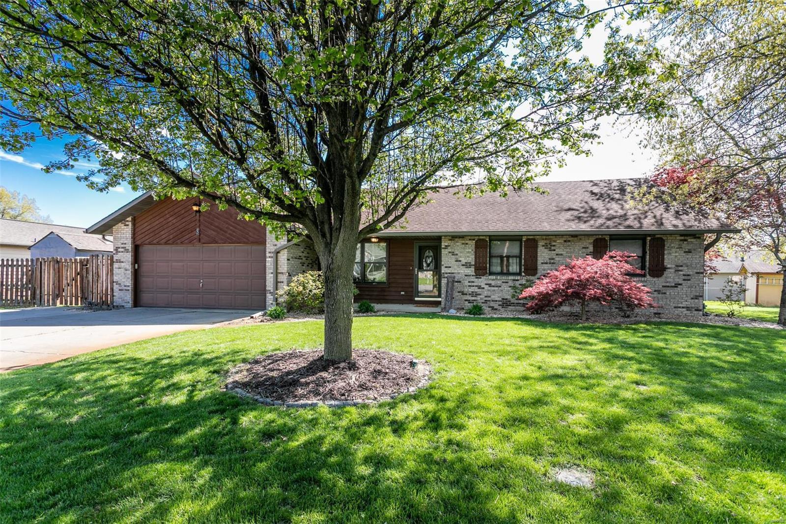 3 Arlington Court Property Photo - Smithton, IL real estate listing