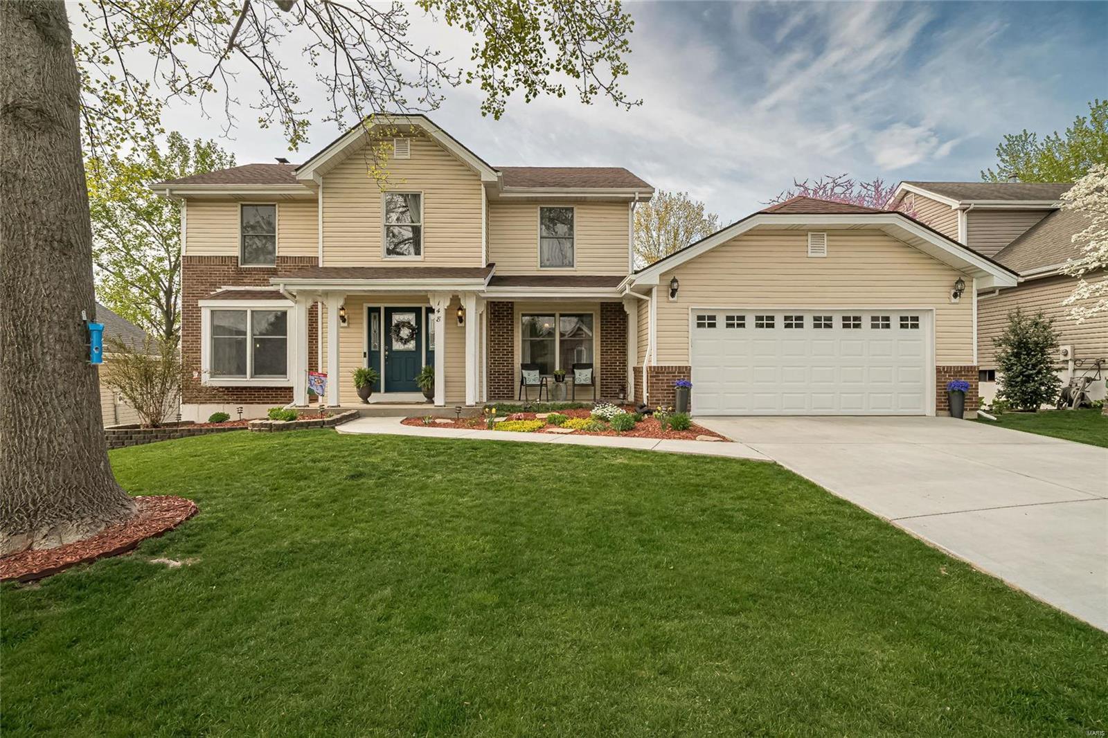 148 Crestmont Circle Property Photo - Wildwood, MO real estate listing