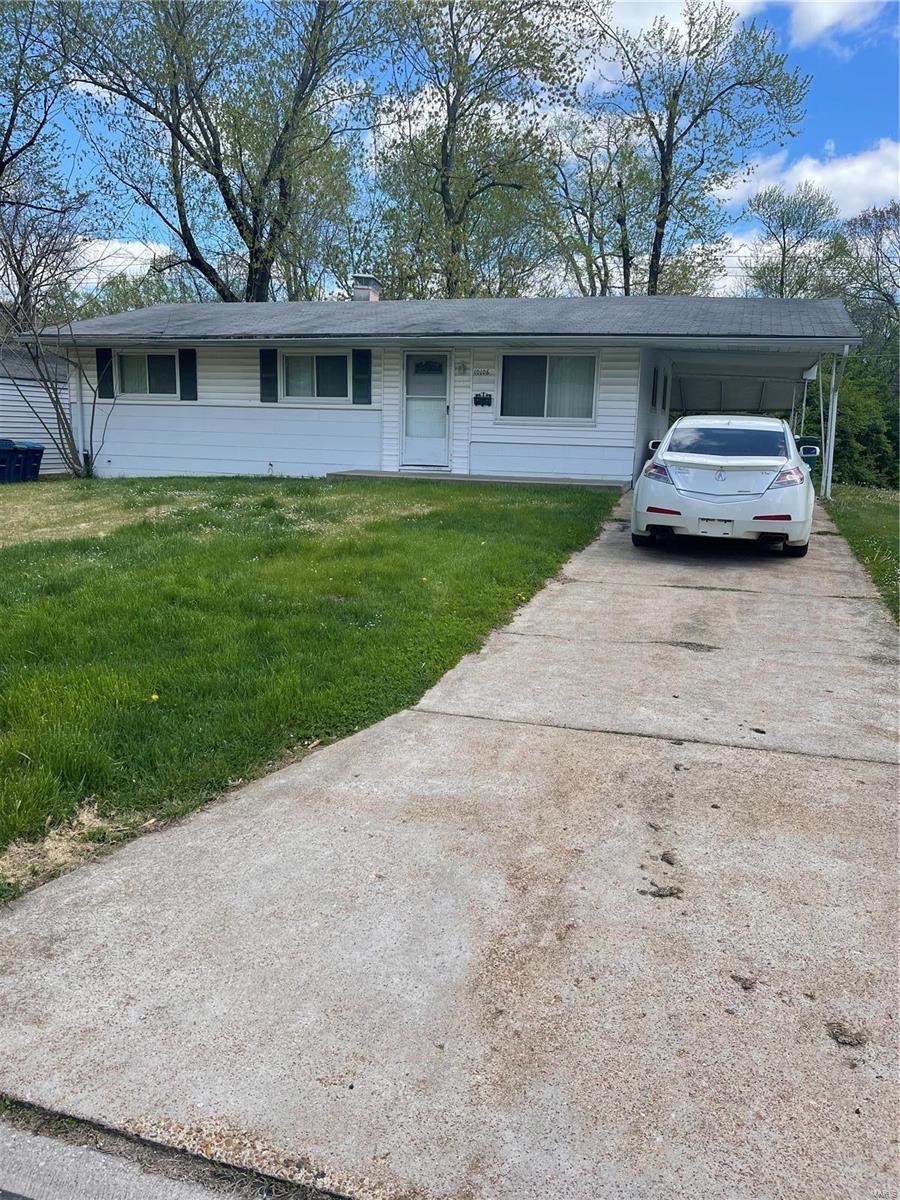 10106 Saffron Drive Property Photo - Dellwood, MO real estate listing