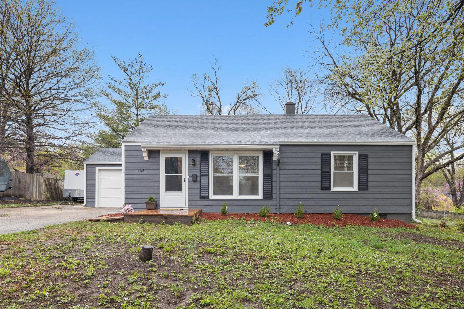 106 W 97TH Terr Property Photo - Kansas City, MO real estate listing