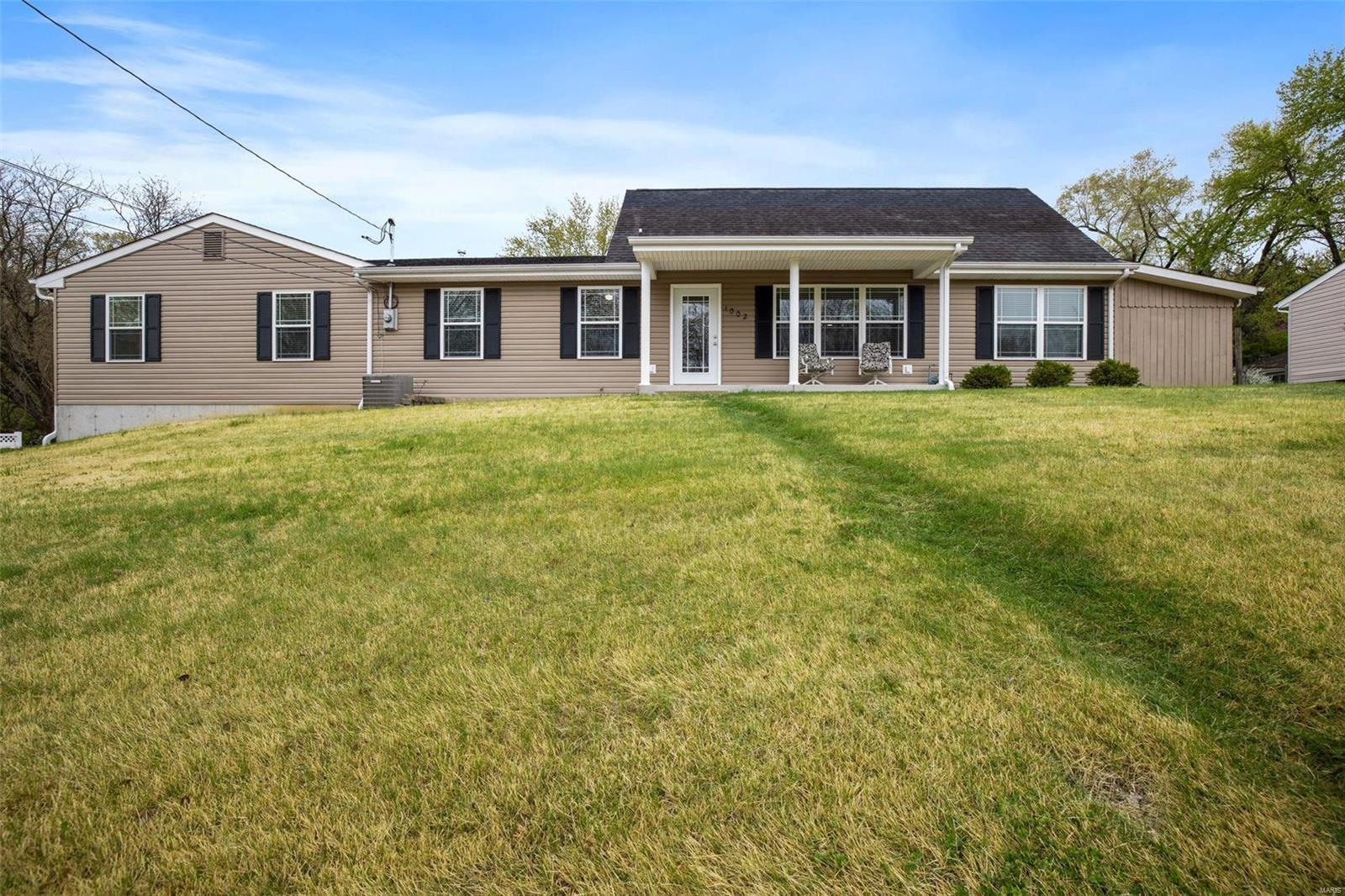 1002 Clark Drive Property Photo - Fenton, MO real estate listing