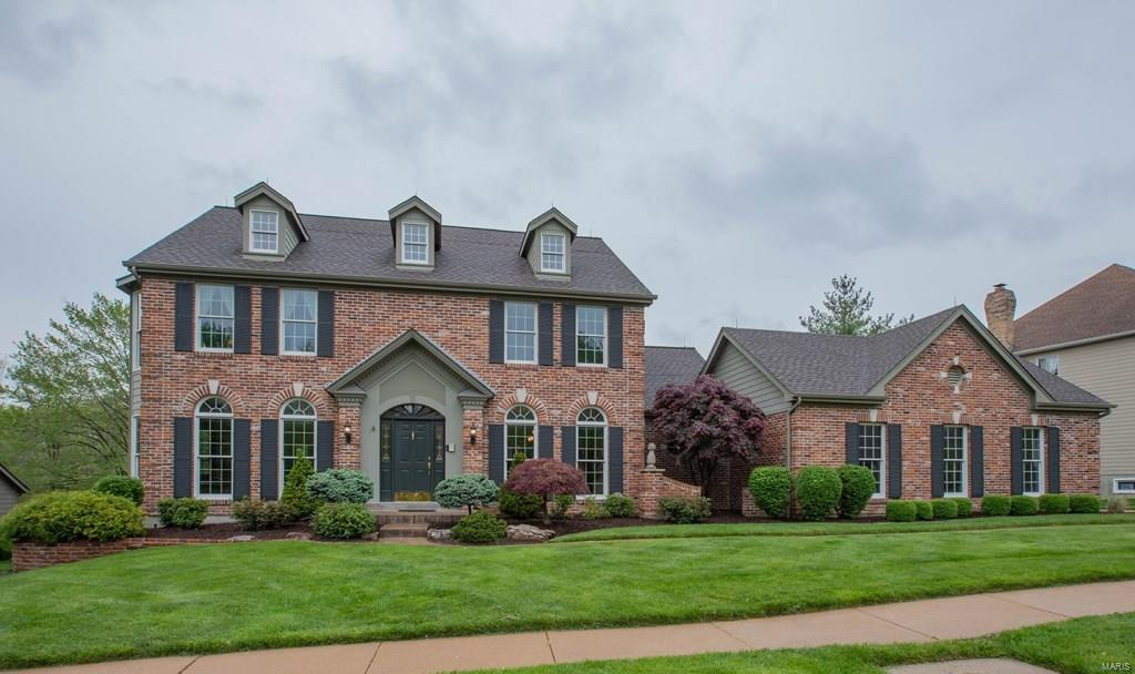 17114 Surrey View Drive Property Photo - Chesterfield, MO real estate listing