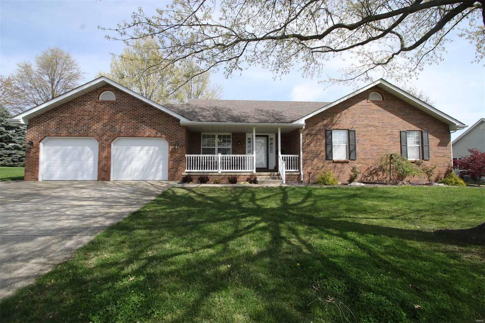 214 Michael Place Property Photo - Jerseyville, IL real estate listing
