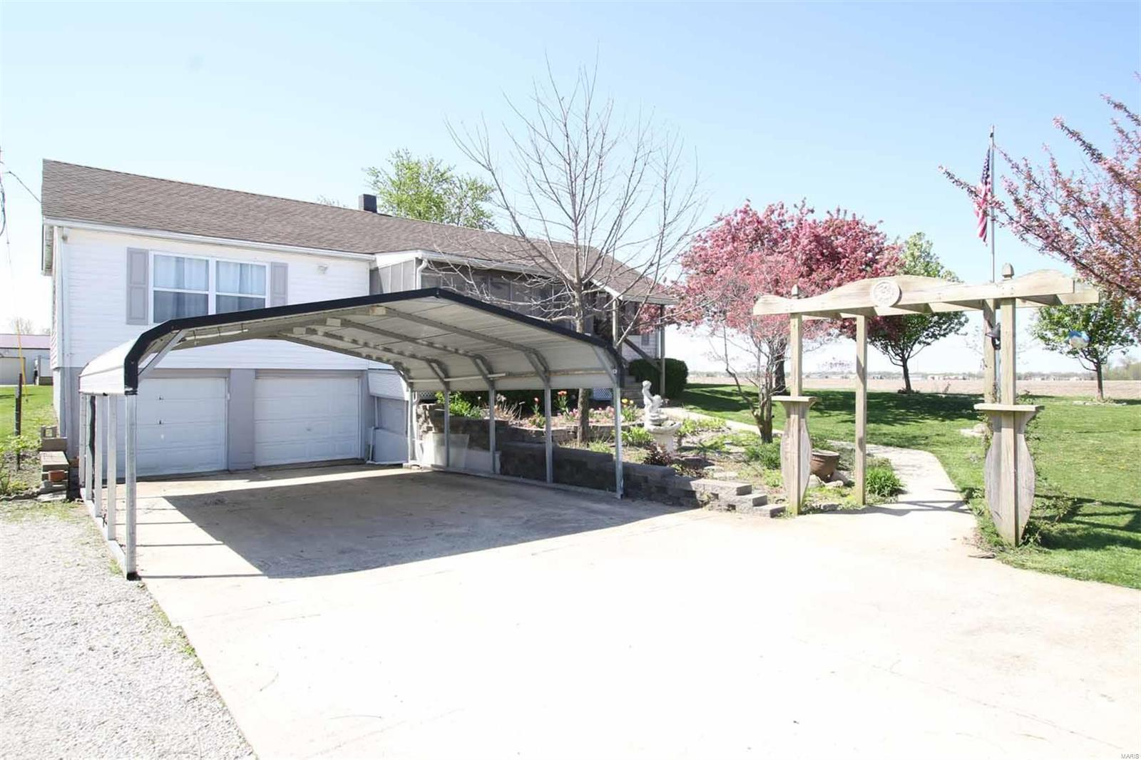 5362 Moro Road Property Photo - Moro, IL real estate listing