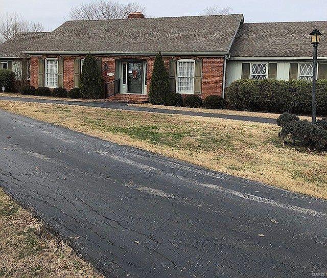 2315 Raleigh Road Property Photo - Eldorado, IL real estate listing