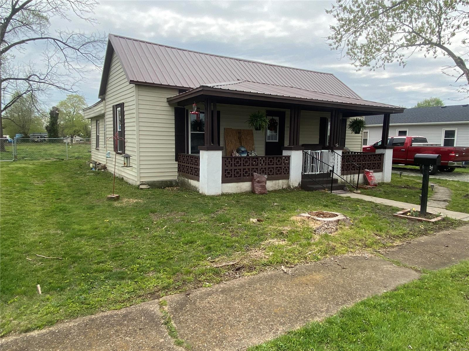 110 S Country Lane Property Photo - Desloge, MO real estate listing