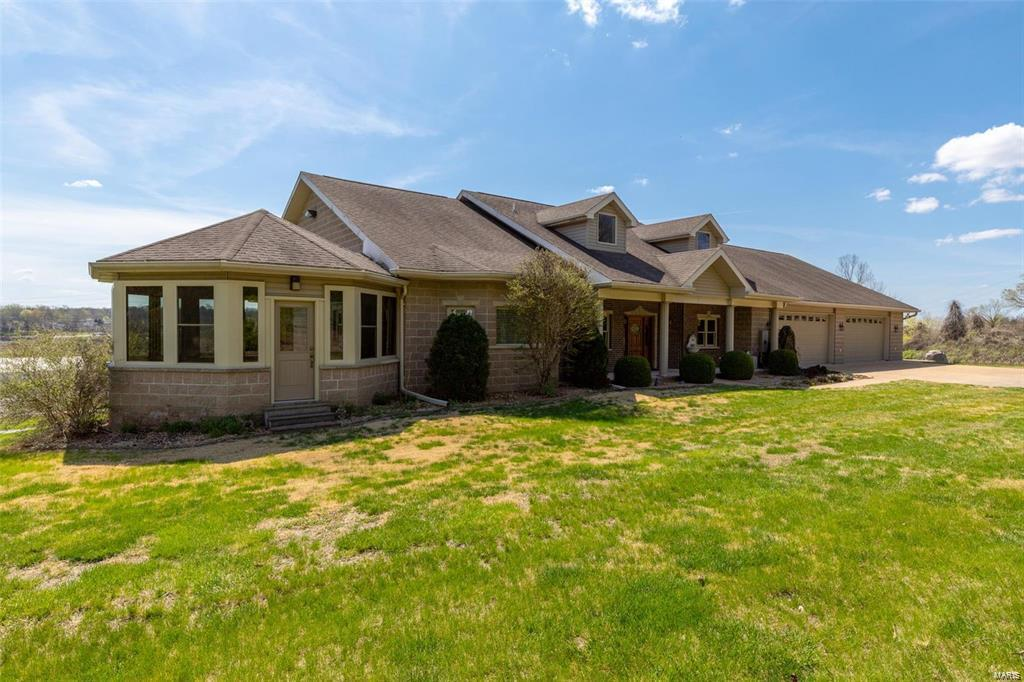 8775 Metropolitan Property Photo - Pevely, MO real estate listing