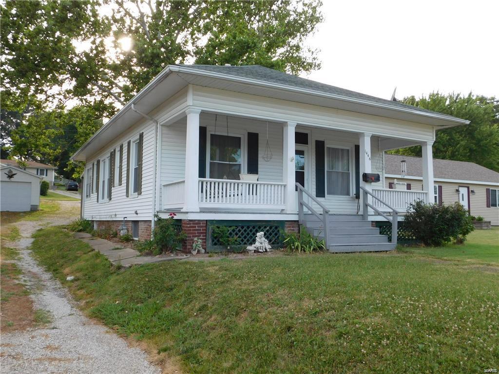 1446 Vandalia Road Property Photo - Hillsboro, IL real estate listing