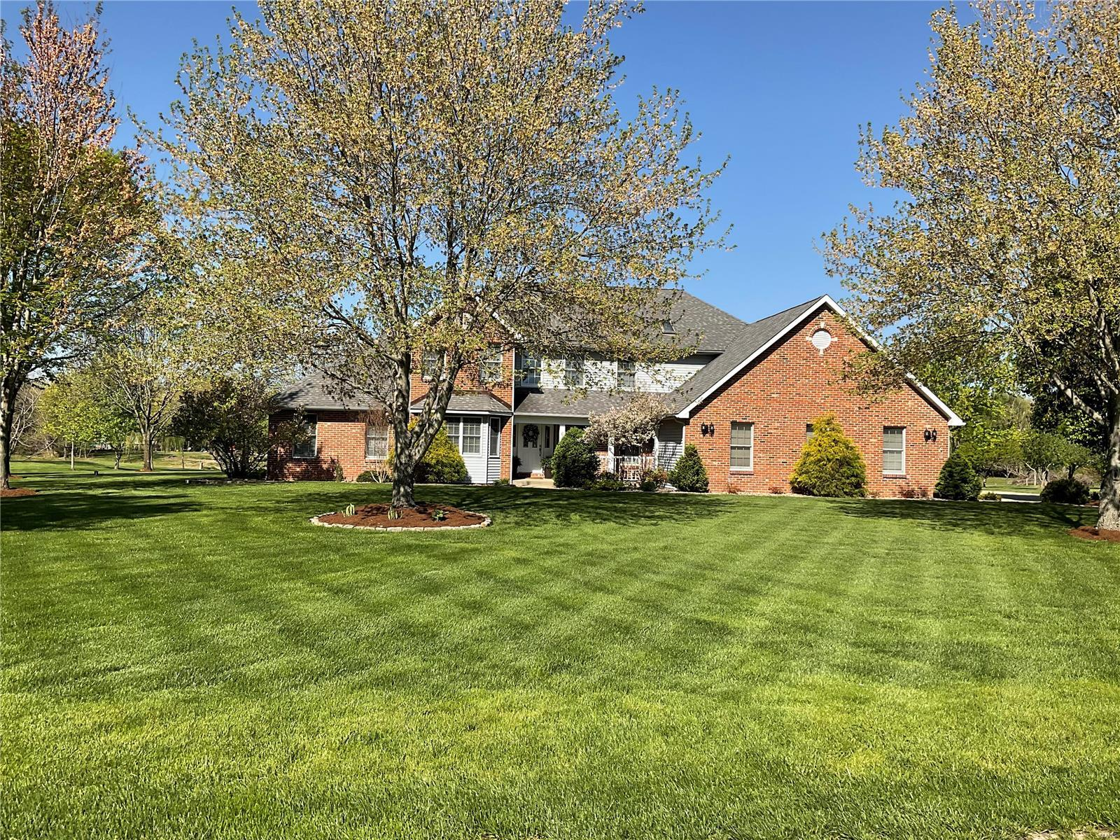 6 Old Stone Rd Property Photo - Columbia, IL real estate listing