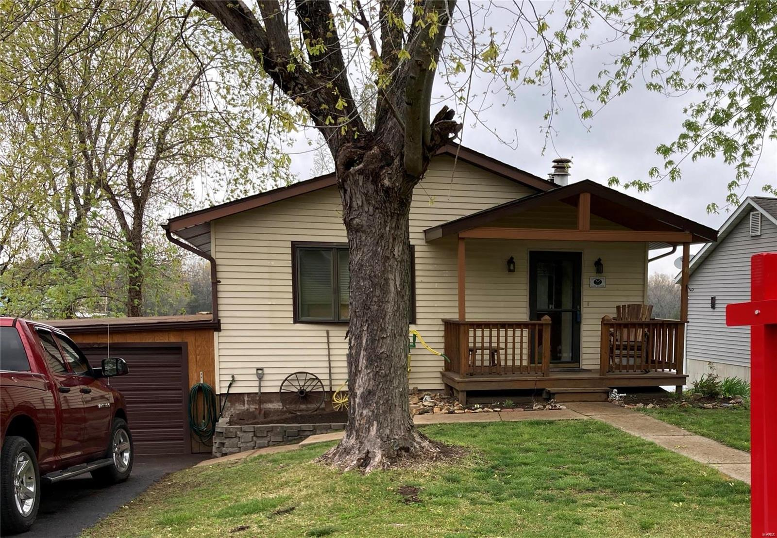210 W Lakeshore Property Photo - De Soto, MO real estate listing