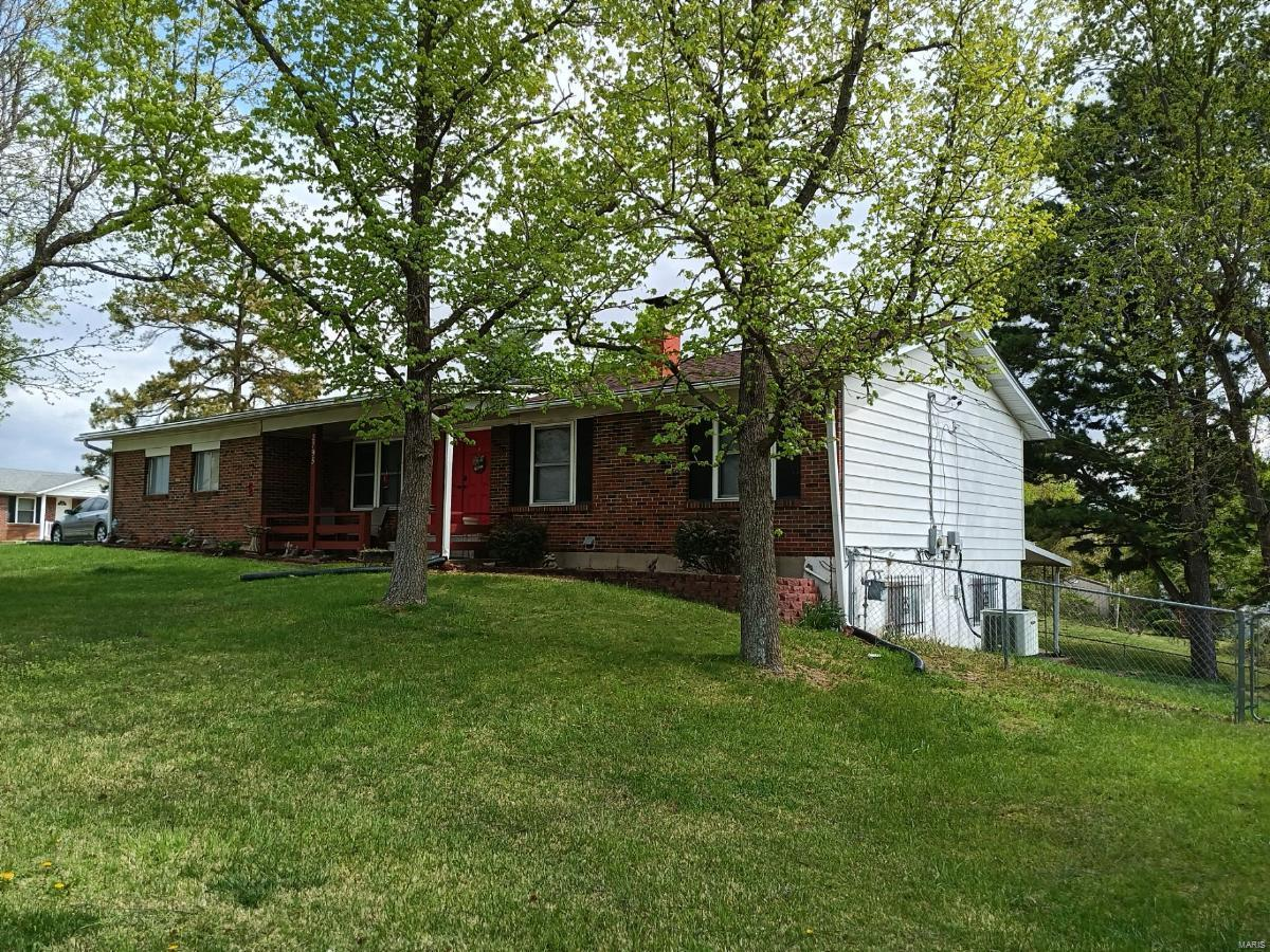 2795 Baccara Drive Property Photo - Arnold, MO real estate listing