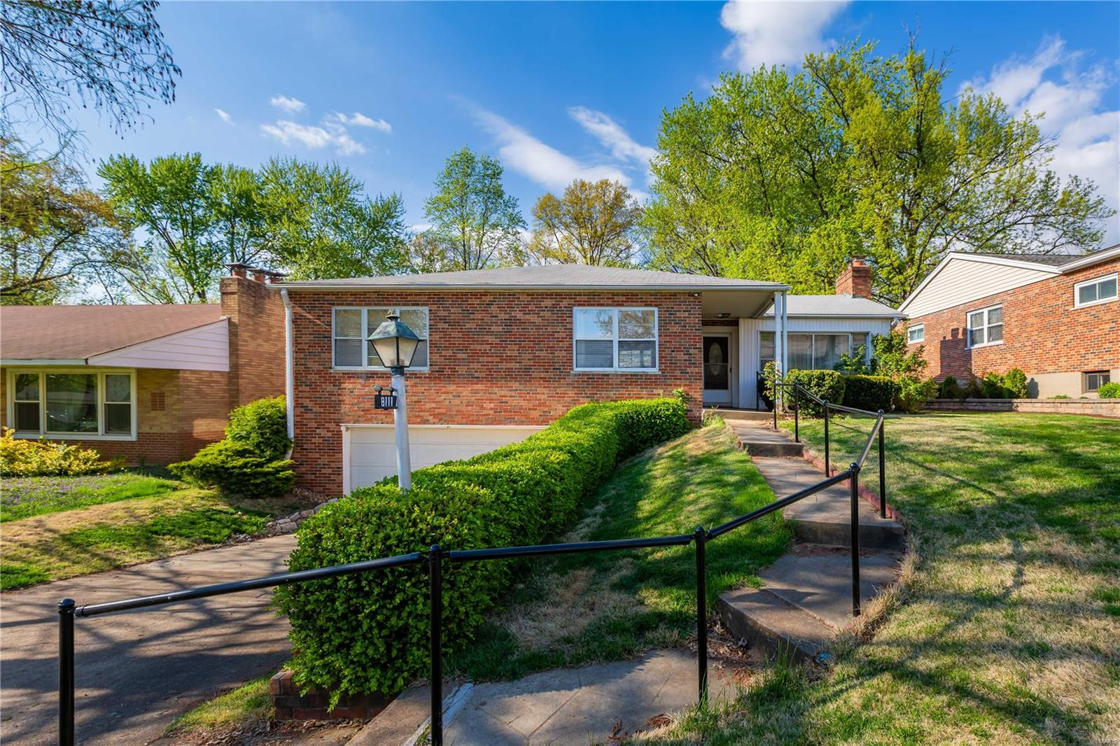 8111 Edinburgh Drive Property Photo - St Louis, MO real estate listing