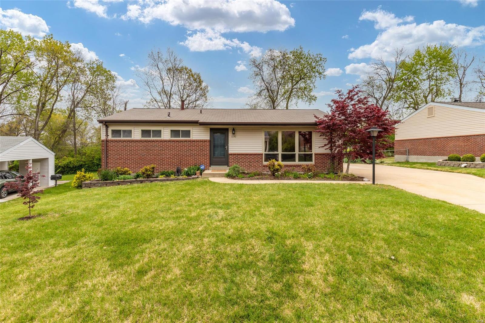 1330 Arrowhead Drive Property Photo - Olivette, MO real estate listing