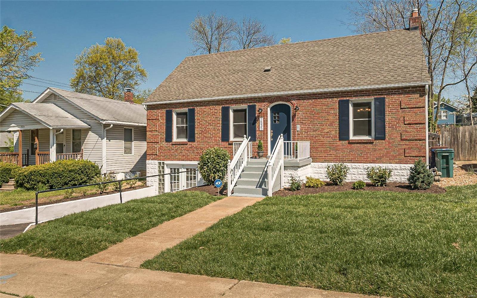 7535 Weaver Avenue Property Photo - St Louis, MO real estate listing