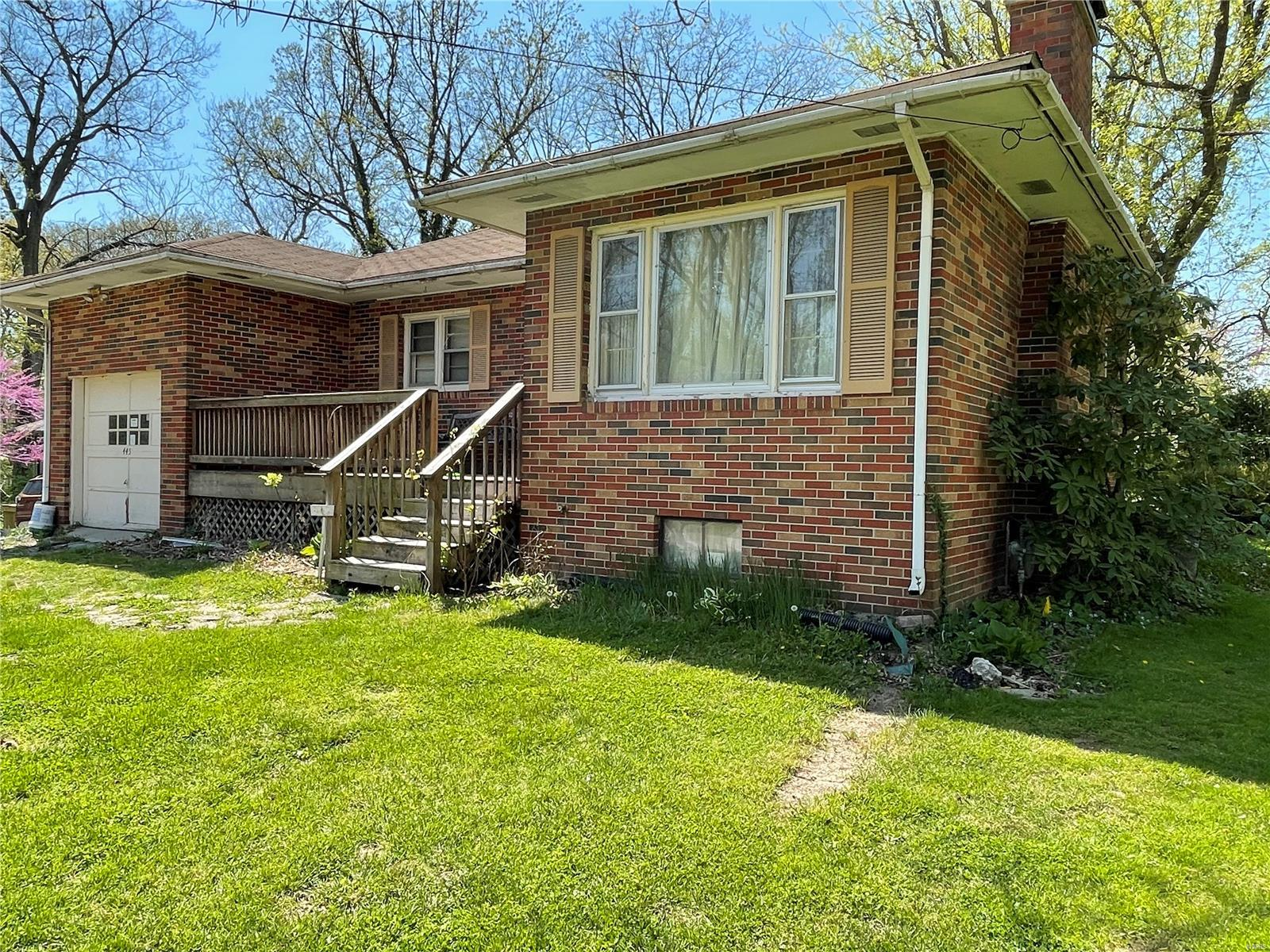 445 Williams Street Property Photo - Hillsboro, IL real estate listing