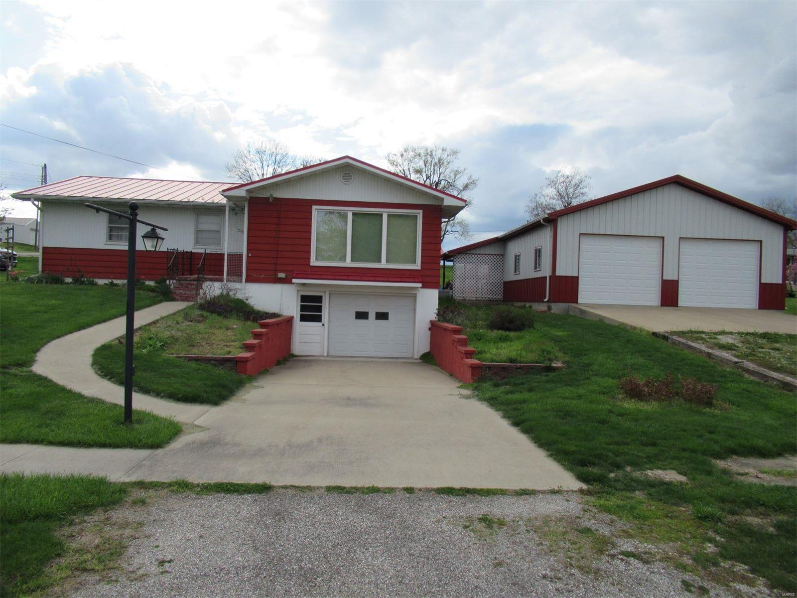 208 S 7th Street Property Photo - La Grange, MO real estate listing