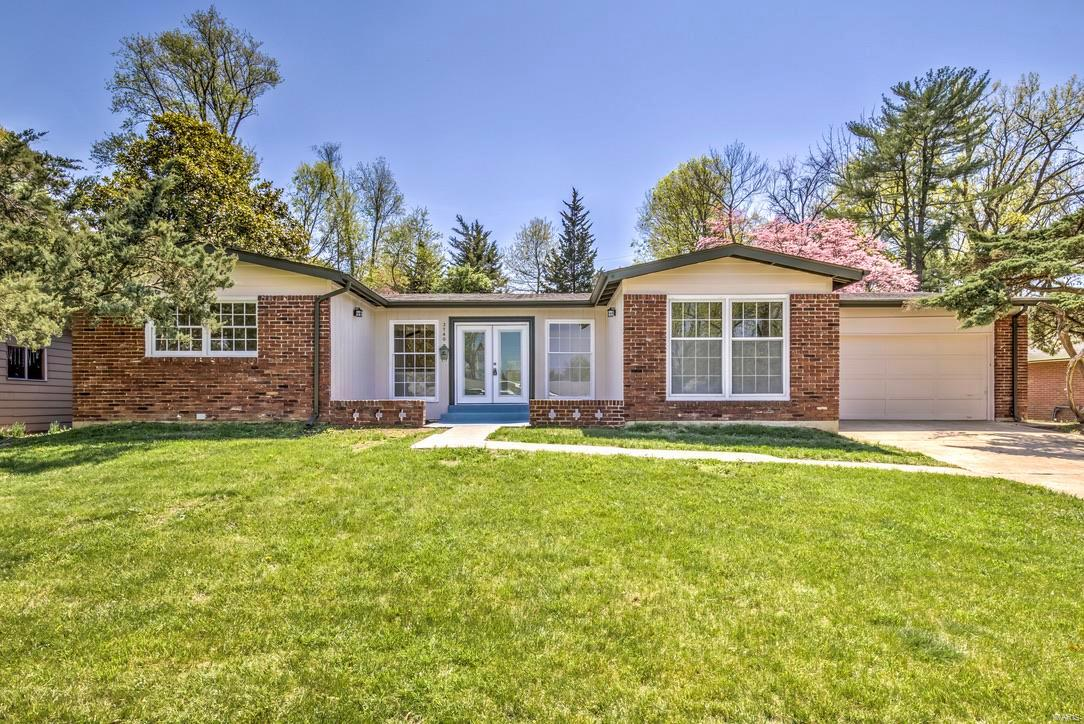 3740 Pyrenees Drive Property Photo - Florissant, MO real estate listing