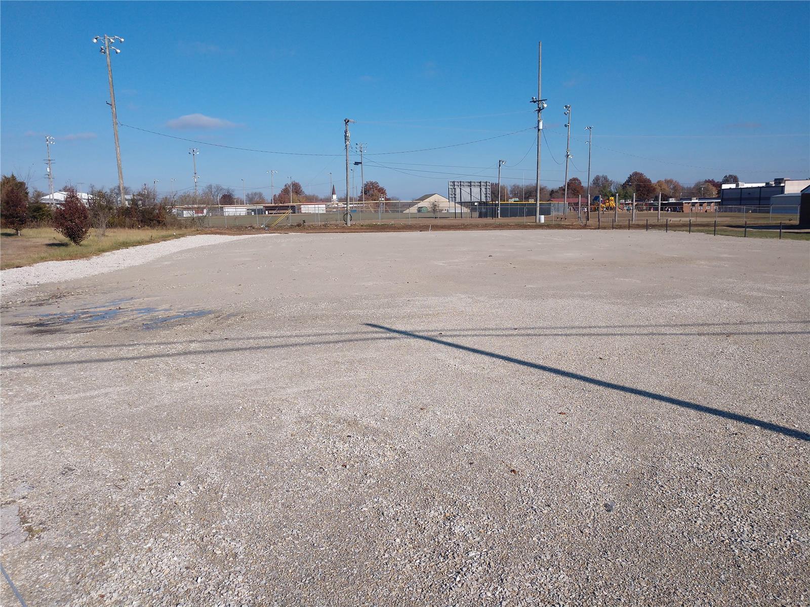 1011 W Dallas Street Property Photo - Buffalo, MO real estate listing