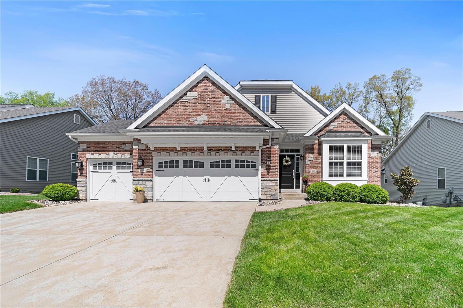 937 Summit Oaks Drive Property Photo - Eureka, MO real estate listing