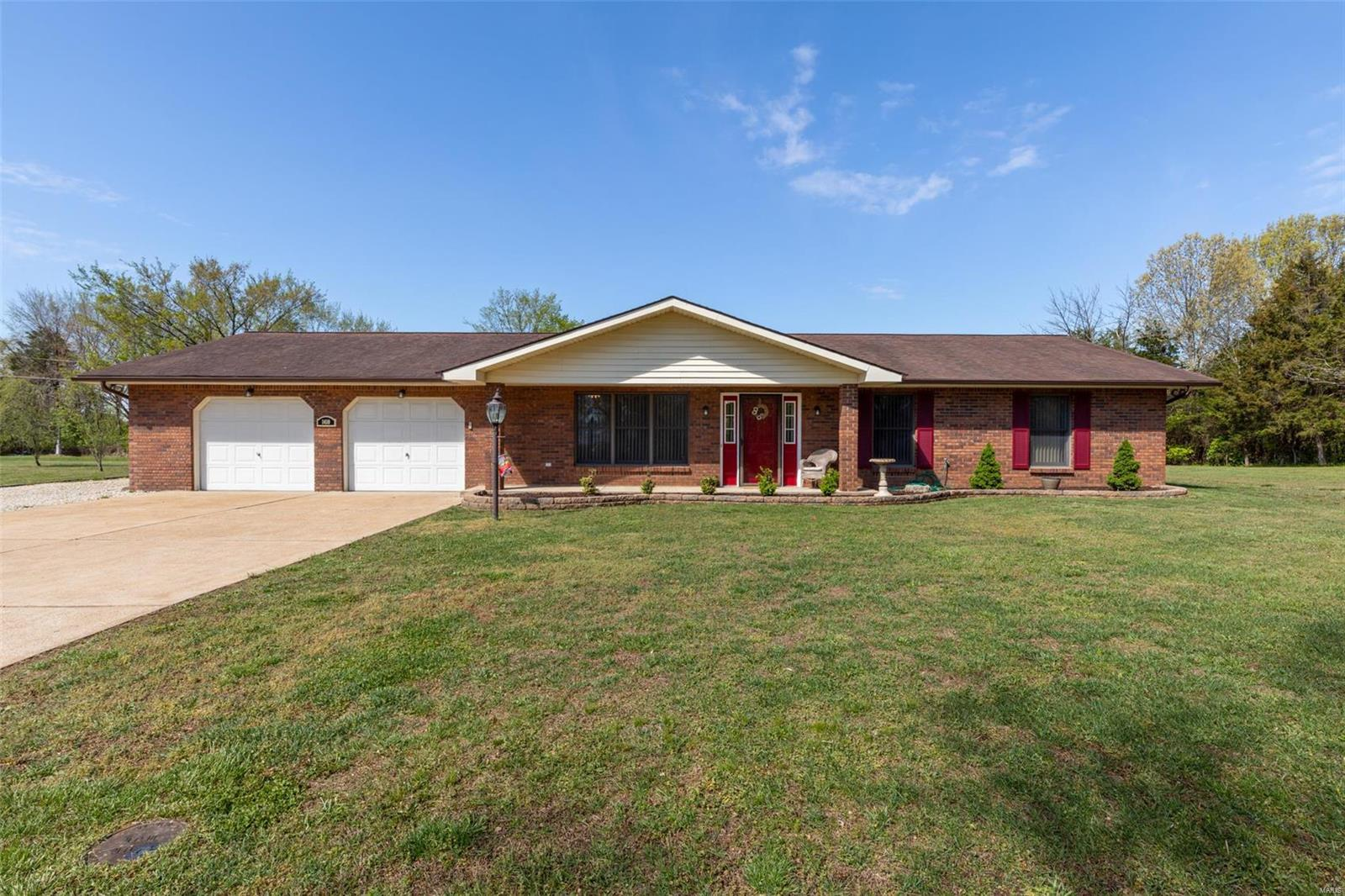 1410 Radcliff Drive Property Photo - Festus, MO real estate listing