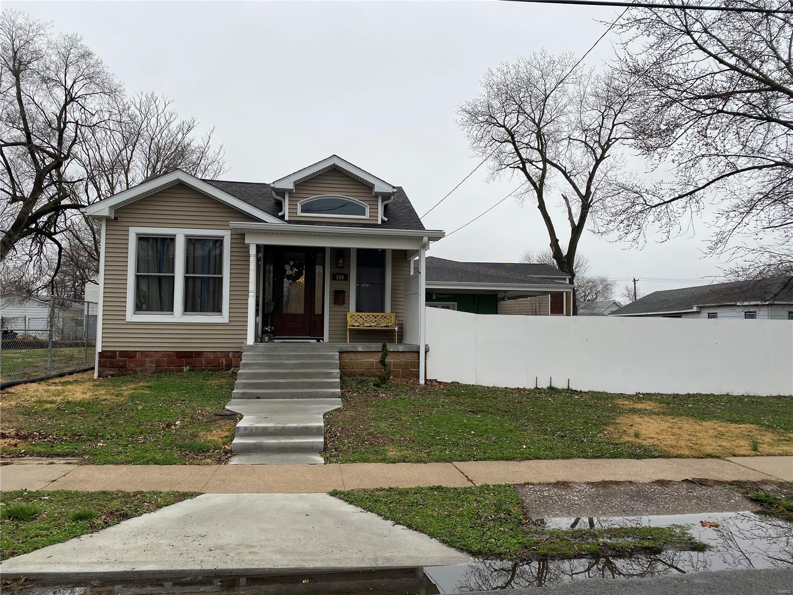 184 S Pence Property Photo - East Alton, IL real estate listing