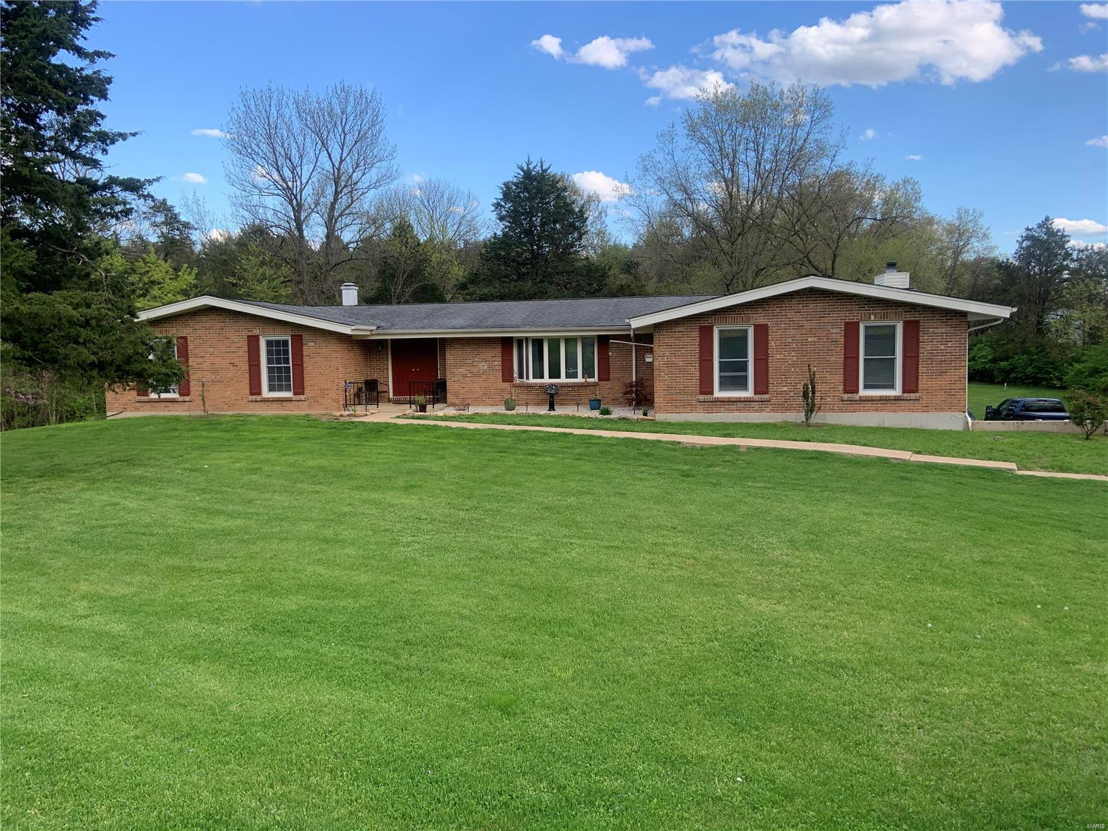 22 Coachman Lane Property Photo - Villa Ridge, MO real estate listing