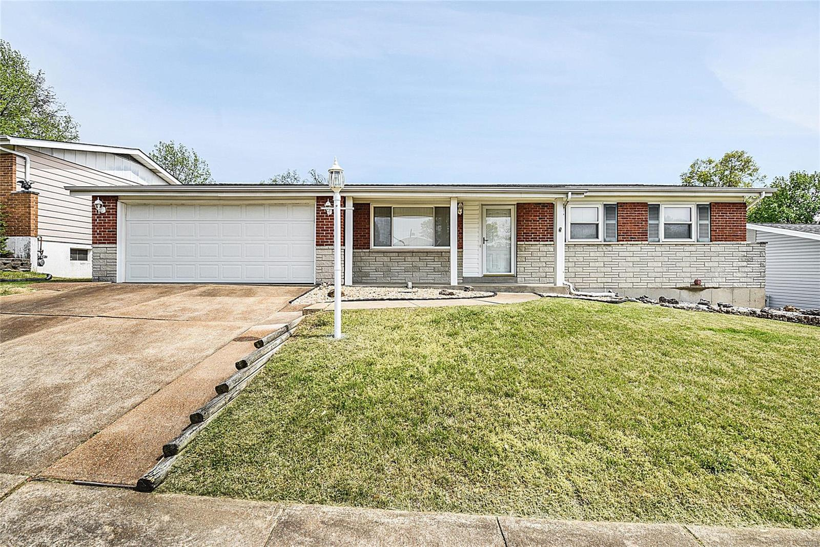 2650 Causeway Drive Property Photo - Mehlville, MO real estate listing