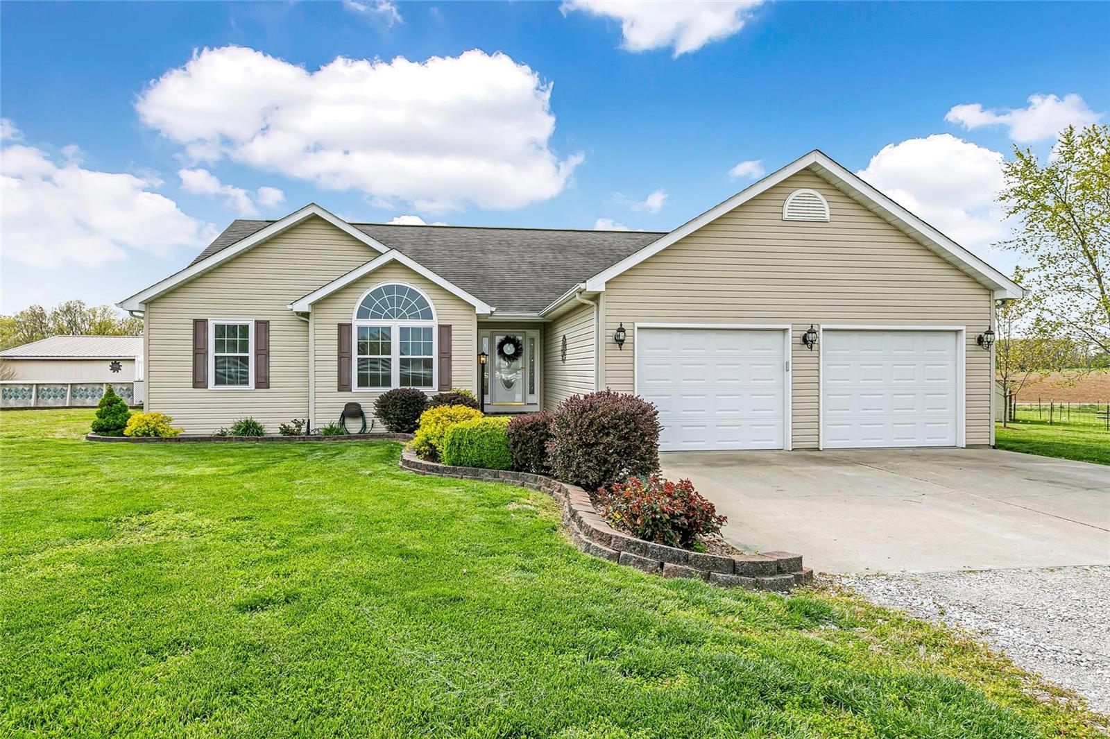 62277 Real Estate Listings Main Image