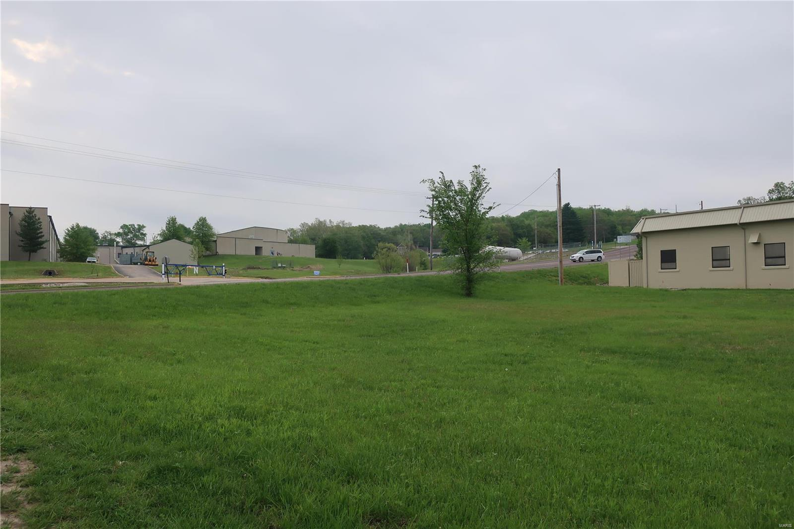 0 1.88 +/- Acres Local Hillsboro Road Property Photo - Cedar Hill, MO real estate listing