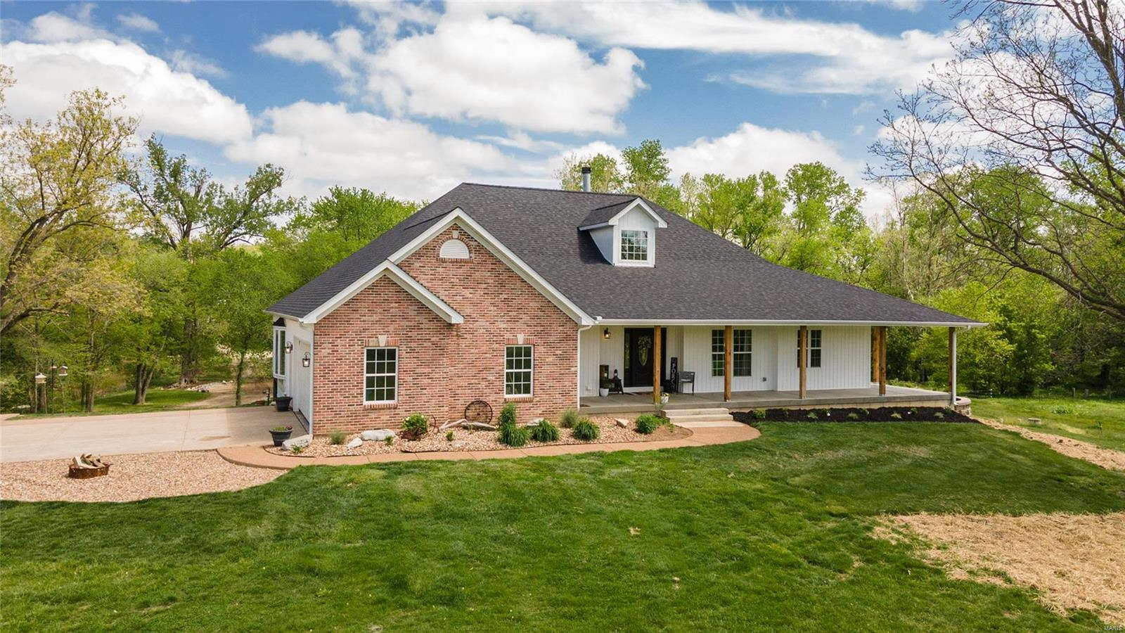 3325 Deer Run Lane Property Photo - Moscow Mills, MO real estate listing