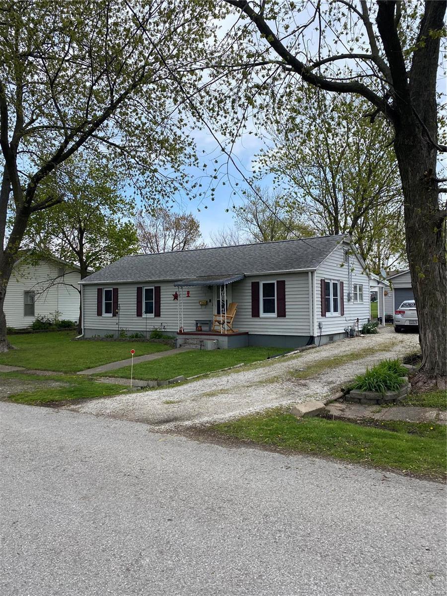 215 S. main Cross Property Photo - Bowling Green, MO real estate listing