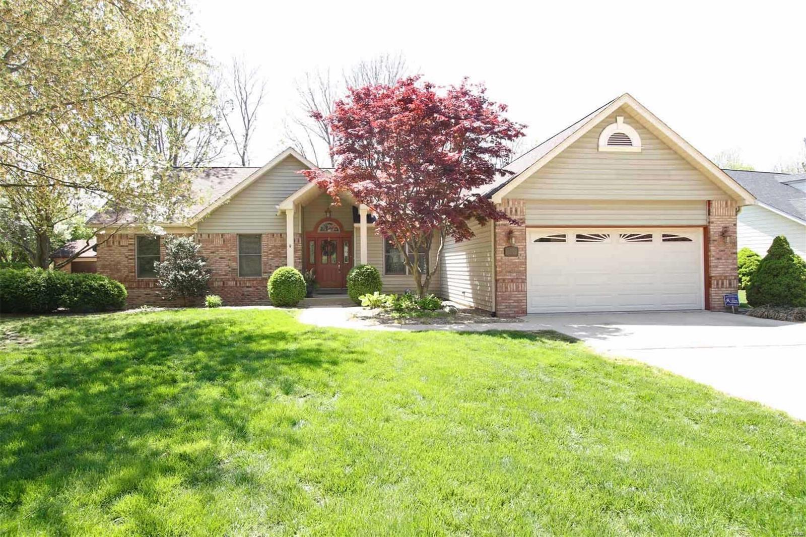 57 Santa Anita Drive Property Photo - Maryville, IL real estate listing