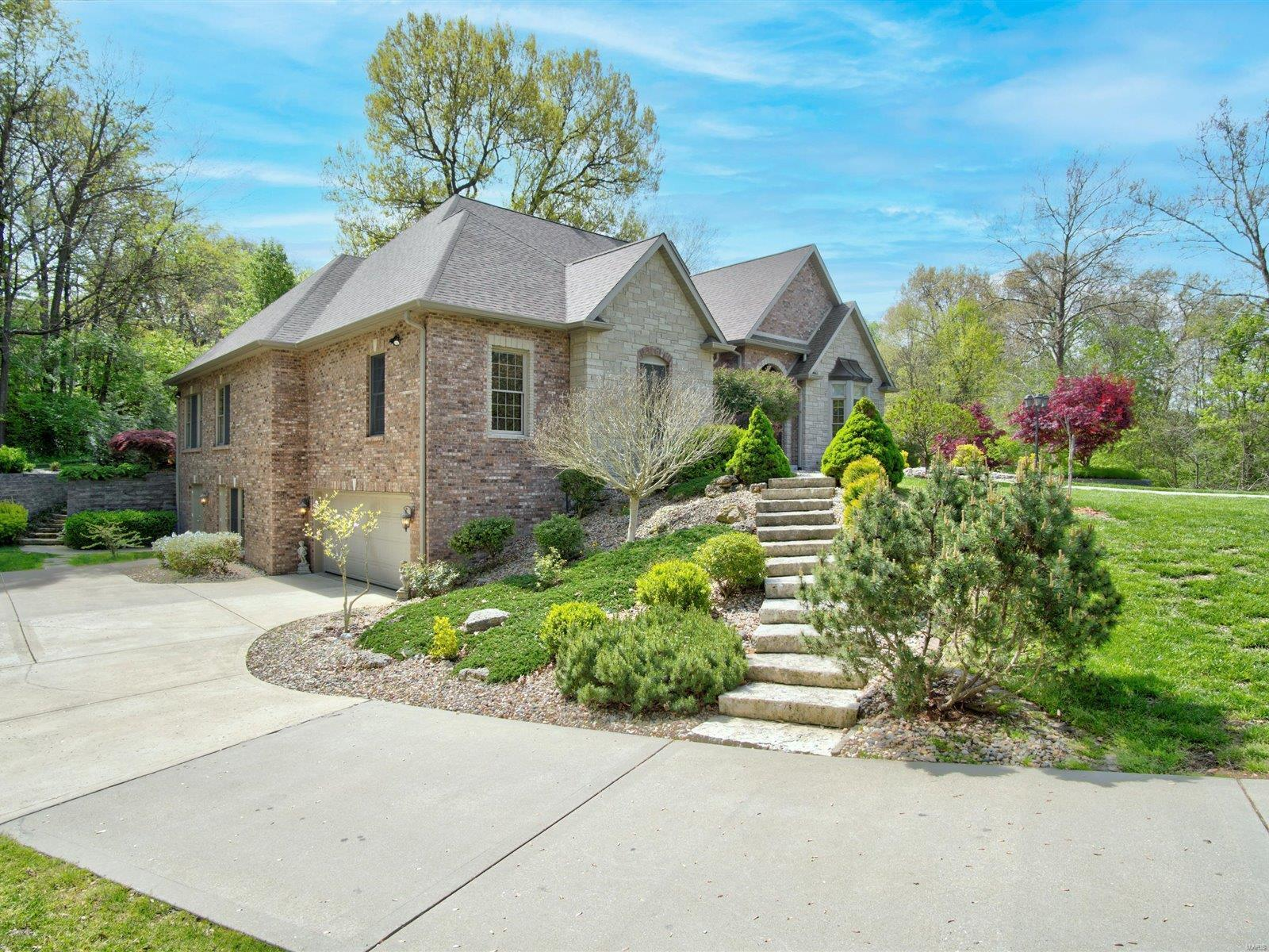 13 Forest Drive Property Photo - Maryville, IL real estate listing