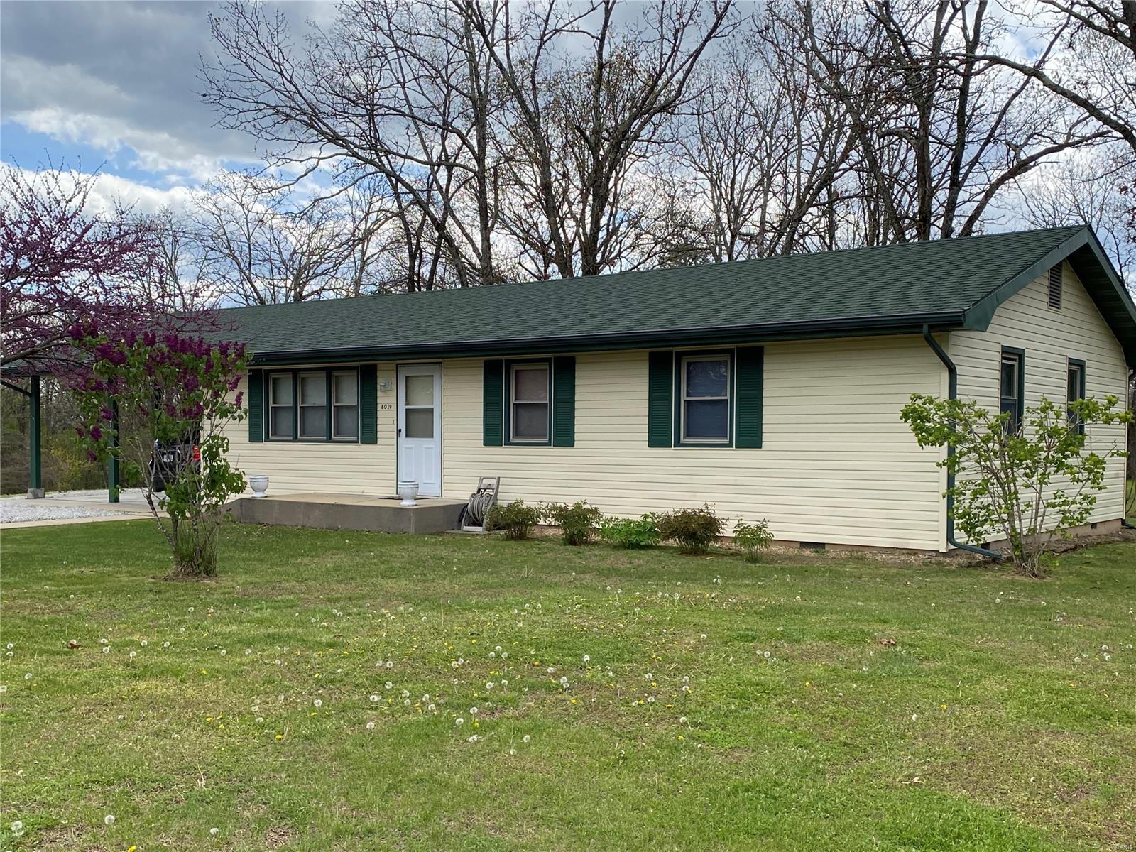 8019 Illinois Street Property Photo - Houston, MO real estate listing