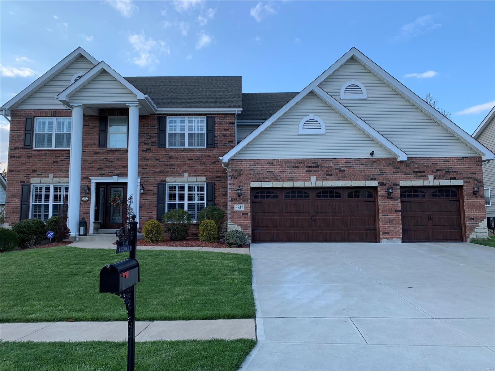 5547 Wooded Creek Property Photo