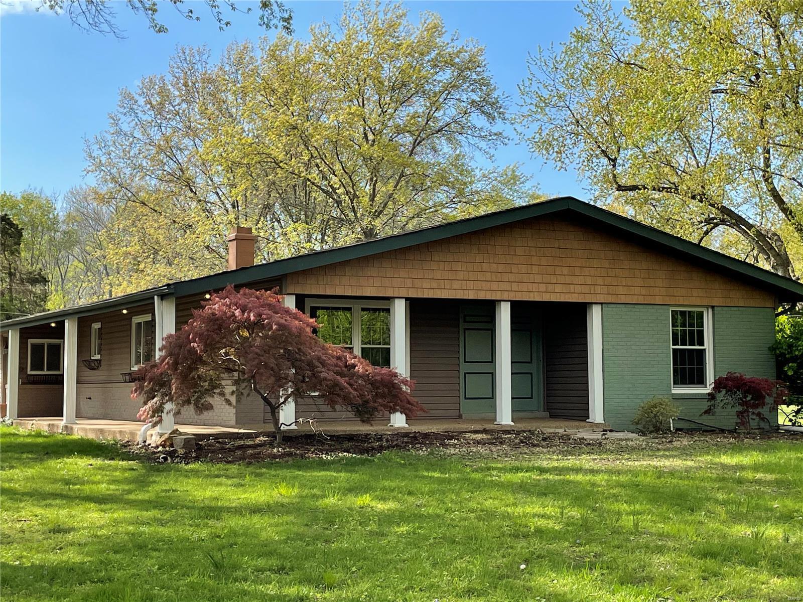 106 Castle Drive Property Photo - Florissant, MO real estate listing