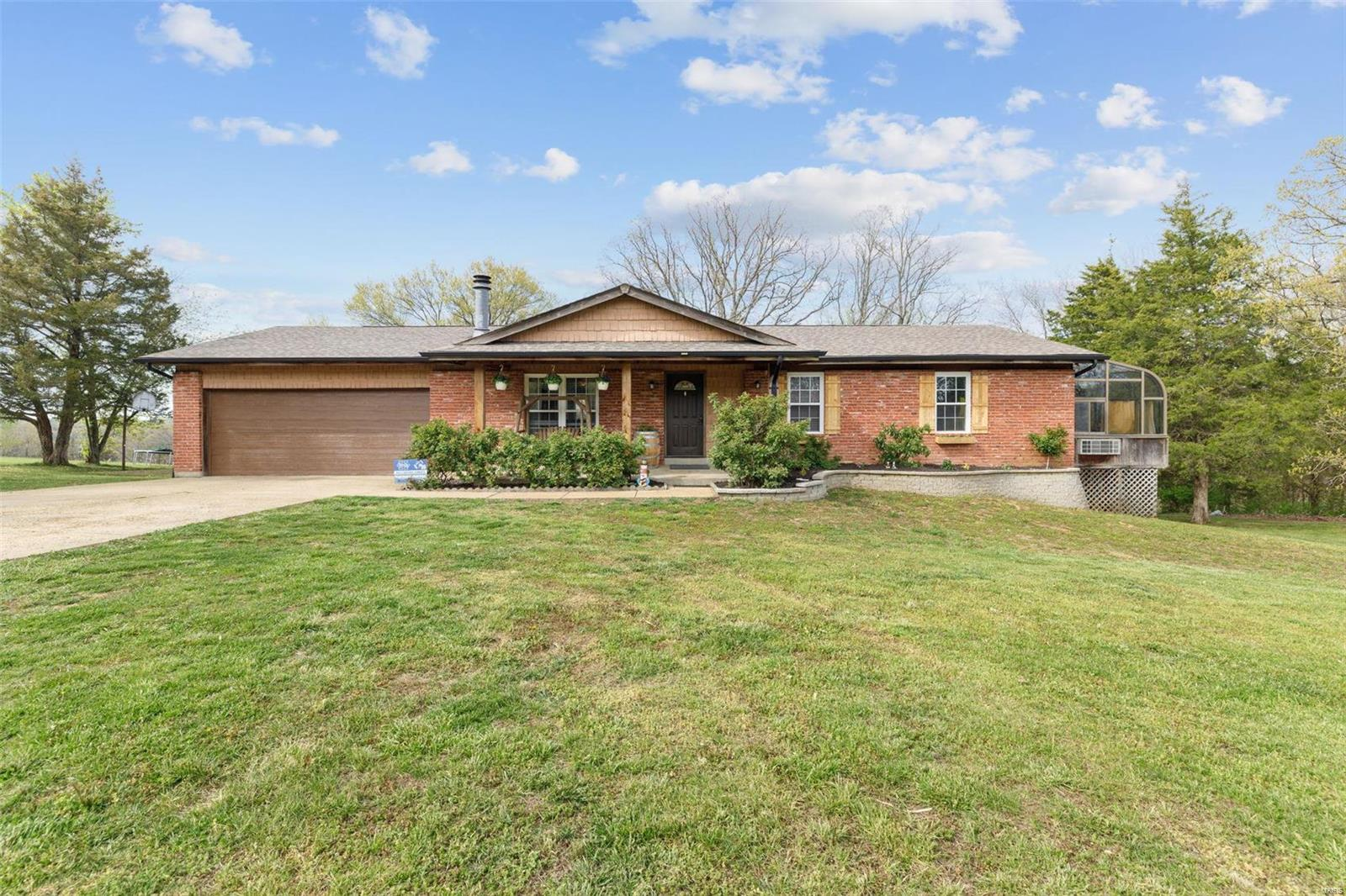 4563 Liberty Ridge Rd Property Photo