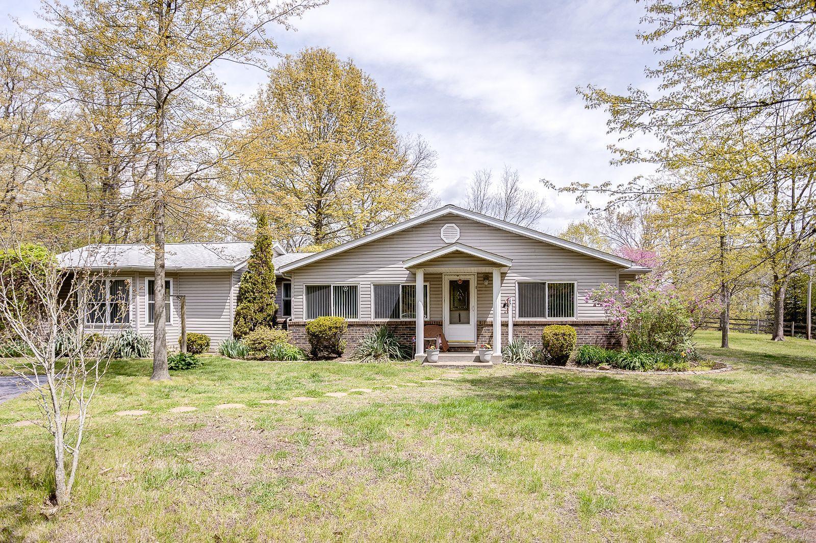 1019 Meddows Road Property Photo - Trenton, IL real estate listing