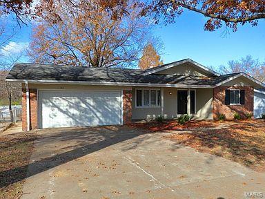 13185 Old Jamestown Drive Property Photo - Black Jack, MO real estate listing