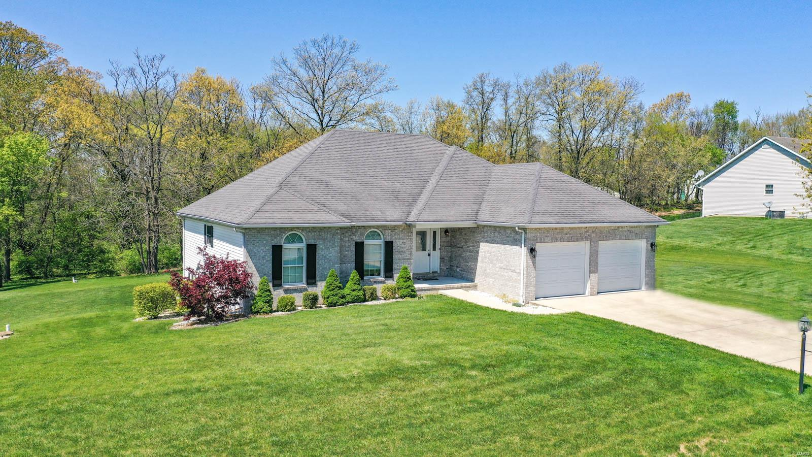 9204 Ebbie Drive Property Photo - Brighton, IL real estate listing
