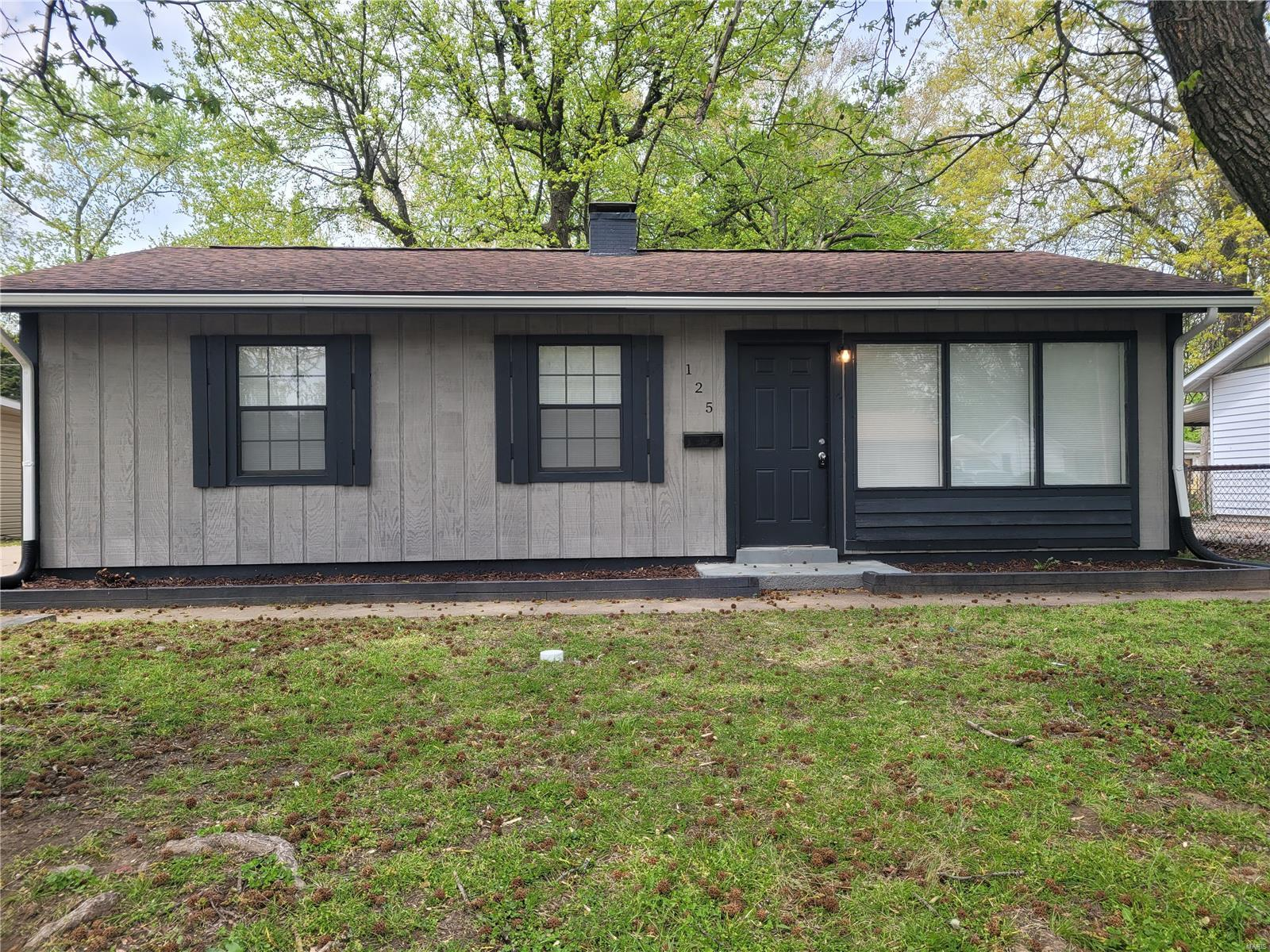 125 Saint Robert Property Photo - Cahokia, IL real estate listing